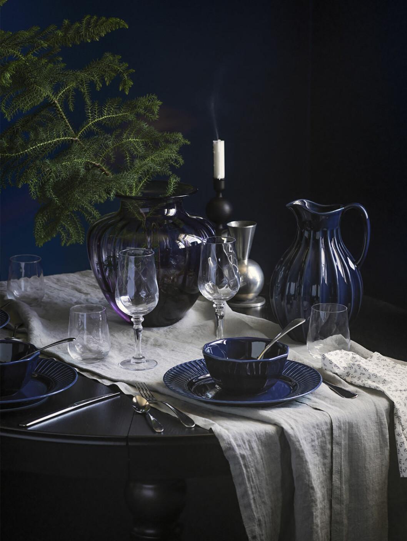 Mörkblått porslin från Ikea vintern 2020