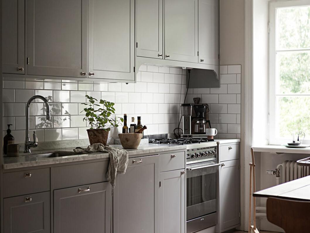 köksluckor och marmorskiva