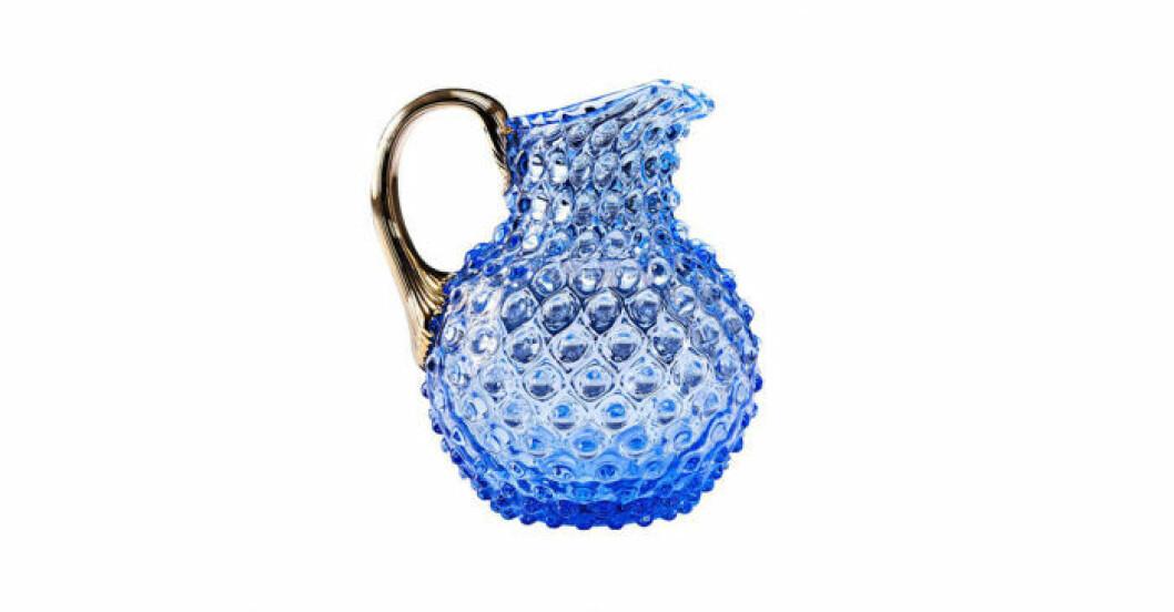 Kanna i blått glas