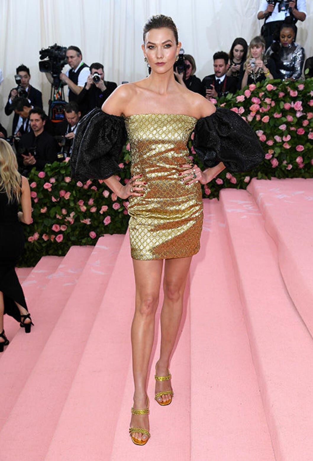 En bild på modellen Karlie Kloss under Met-galan 2019.