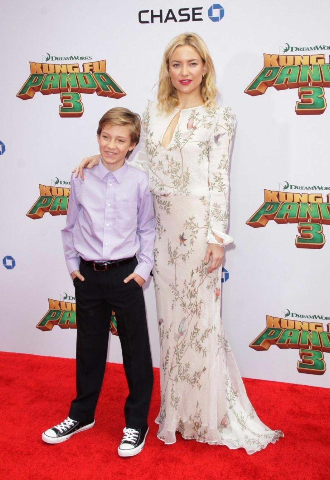 Kate Hudson tillsammans med sin son