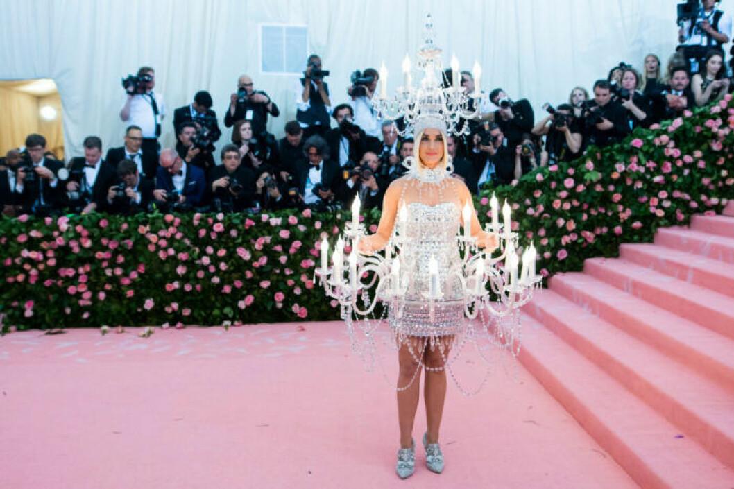 Katy Perry i spektakulär klänning på MET