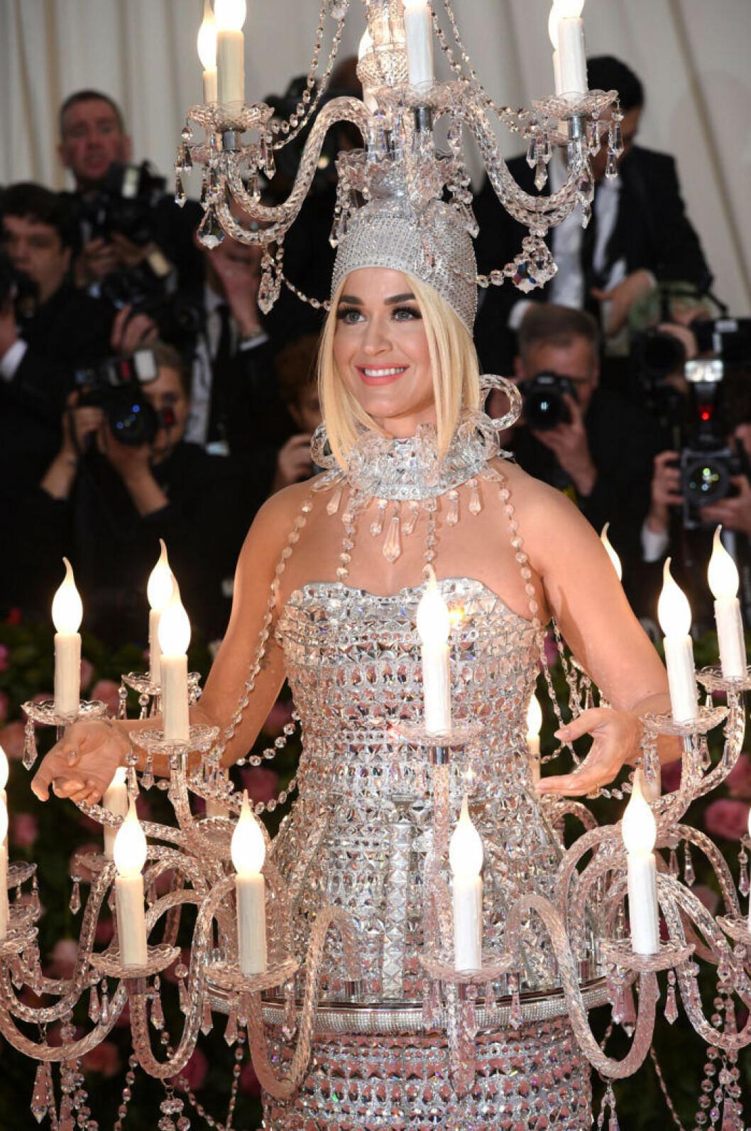 Katy Perrys hyllade klänning på Met 2019
