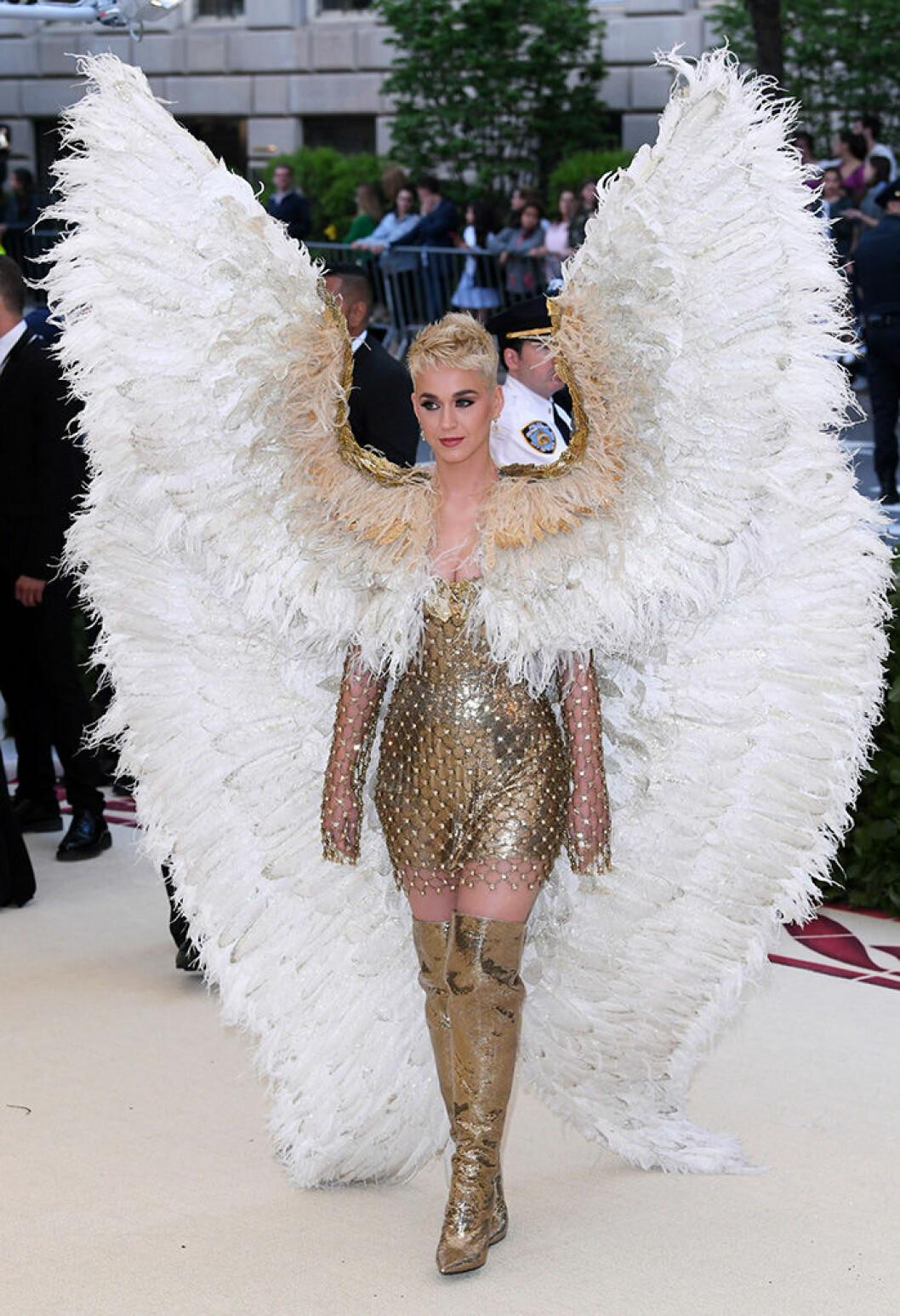En bild på sångerskan Katy Perry på Met-galan 2018.