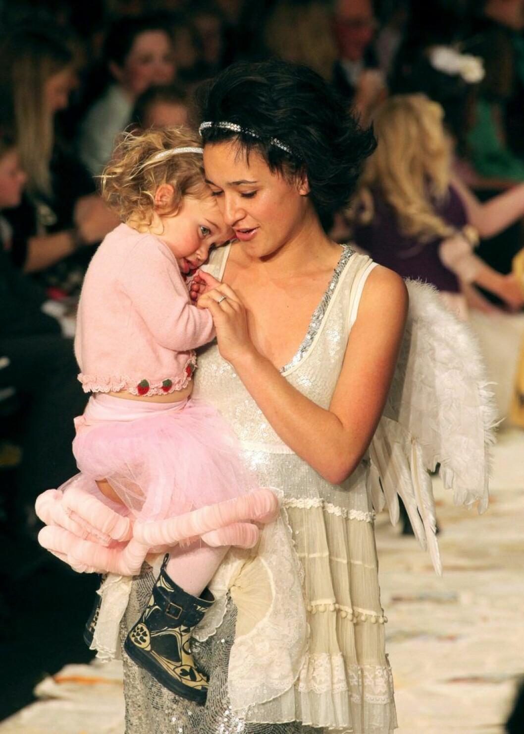 Keisha Castle-Hughes tillsammans med sin dotter