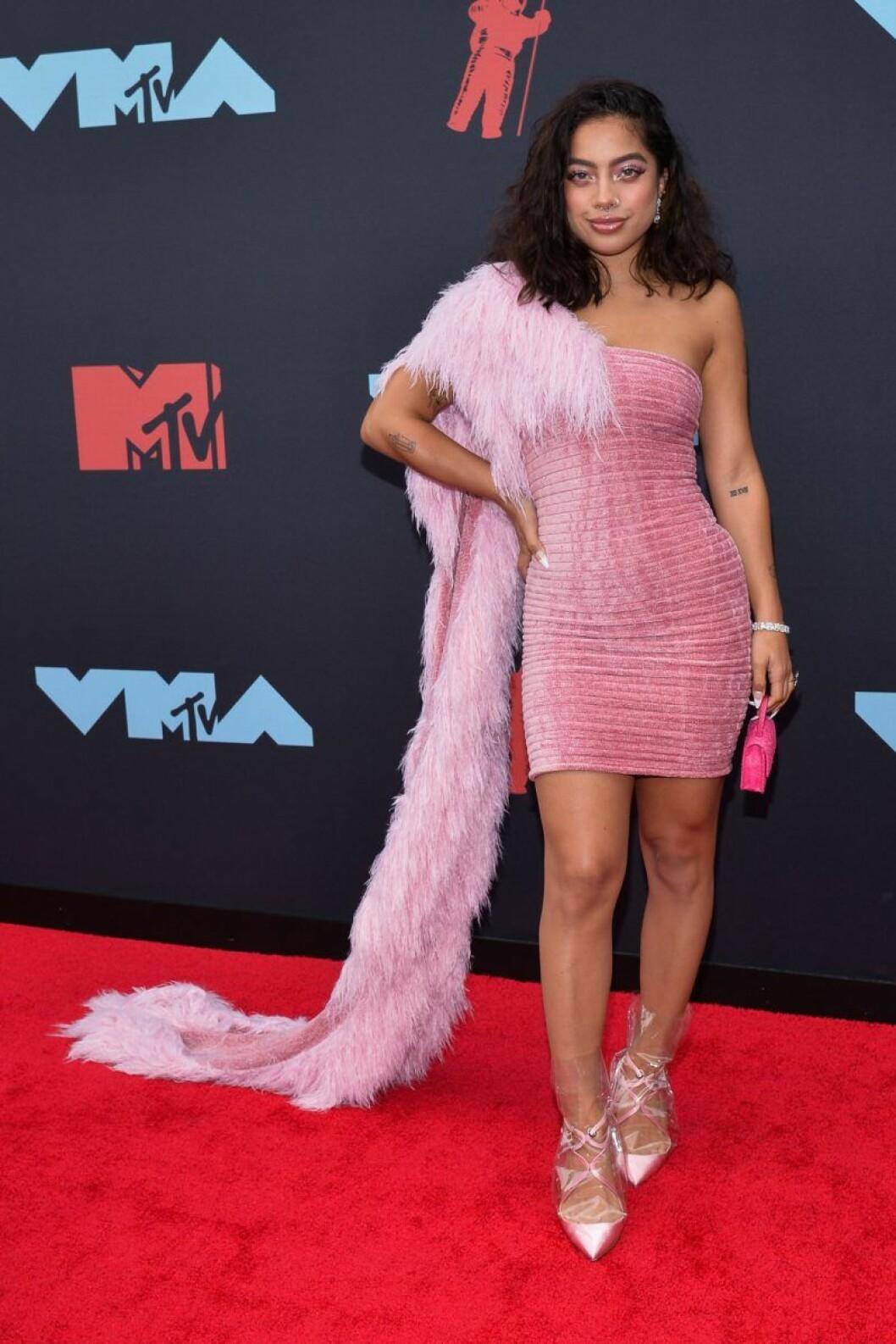 Kiana Lede på röda mattan på VMA 2019