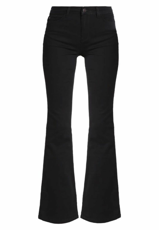 utsvängda-jeans-kiomi