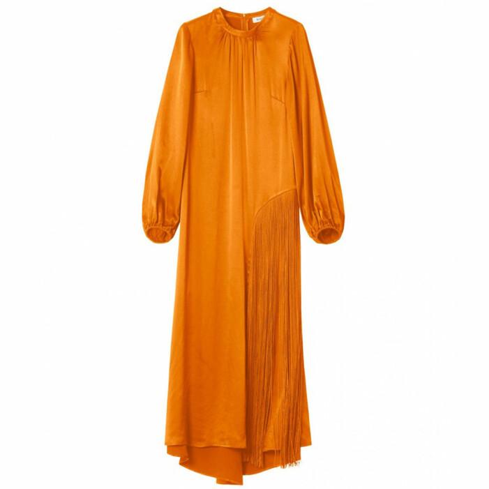 klänning i satin rodebjer
