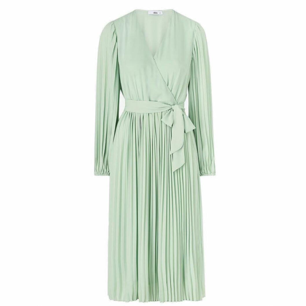 Plisserad klänning från Ellos