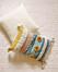 Zara home mixar enkla kuddar tillsammans med färgglatt och struktur