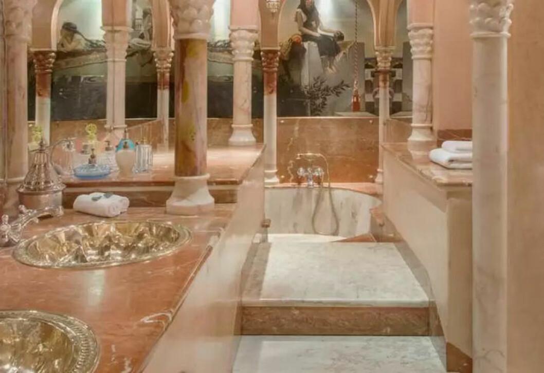 Selfievänligt badrum på hotellet La Saltuna