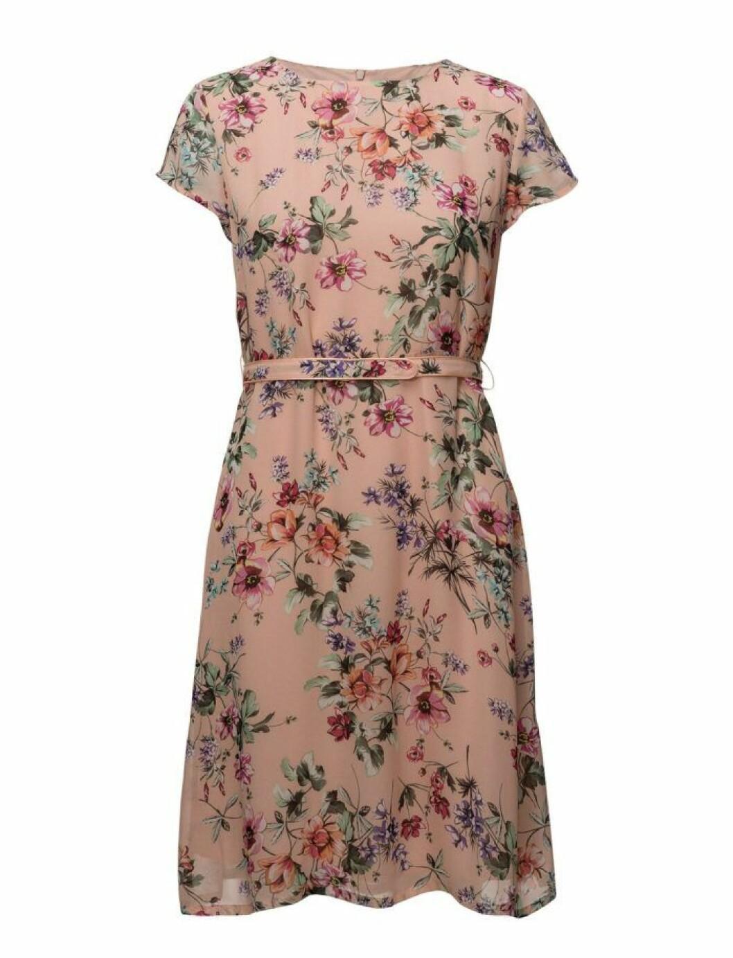 Rosa blommig klänning från SAND