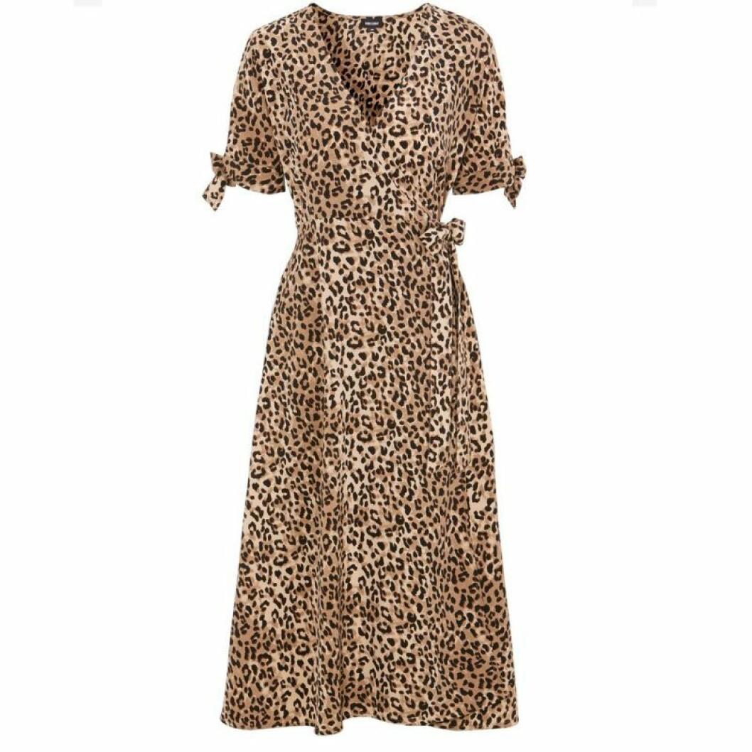 Leopardfärgad maxiklänning