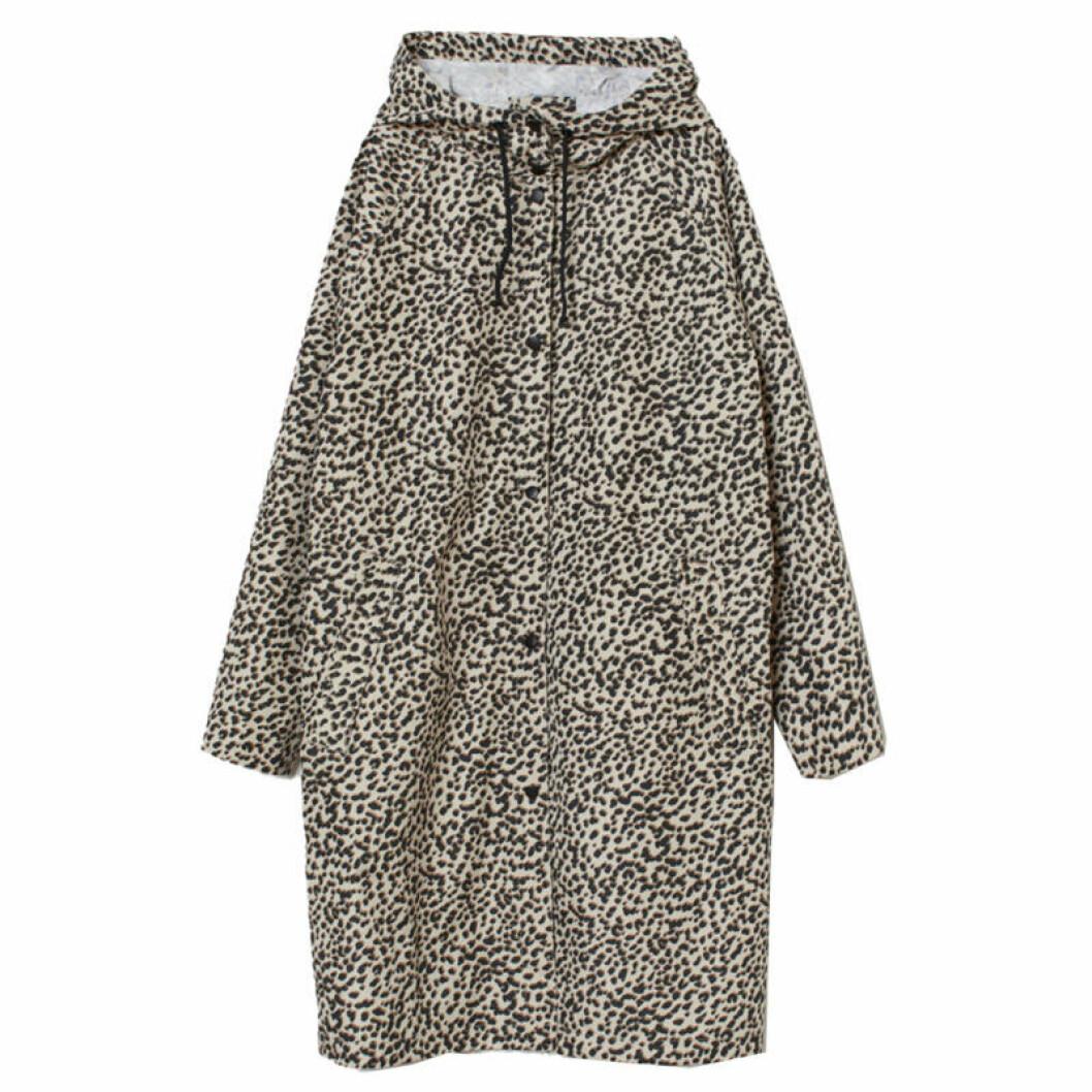 Leopardmönstrad regnjacka
