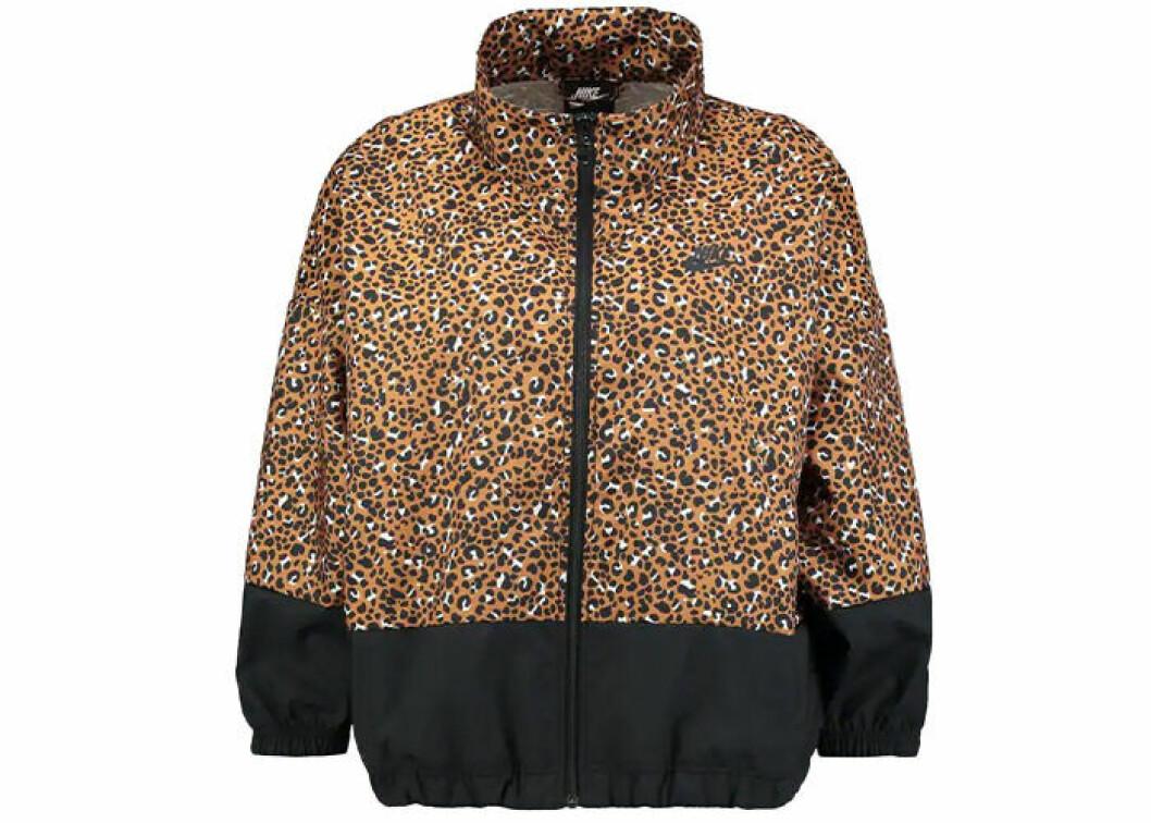 Leopard jacka i sportmodell