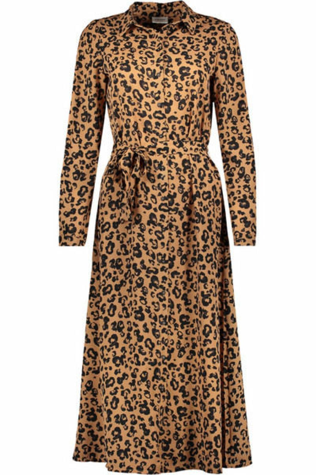 Långklänning i leopard