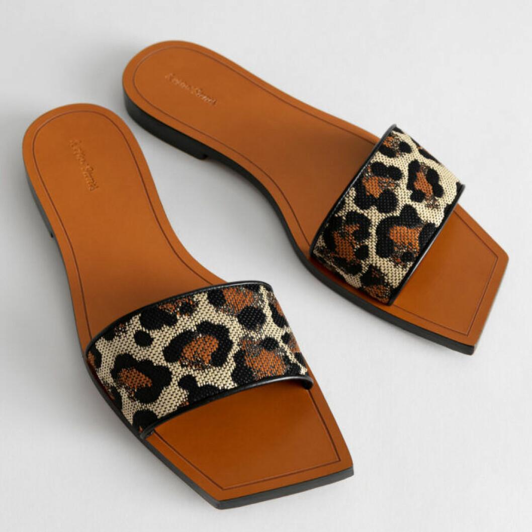 Sandaler med leopardmönster