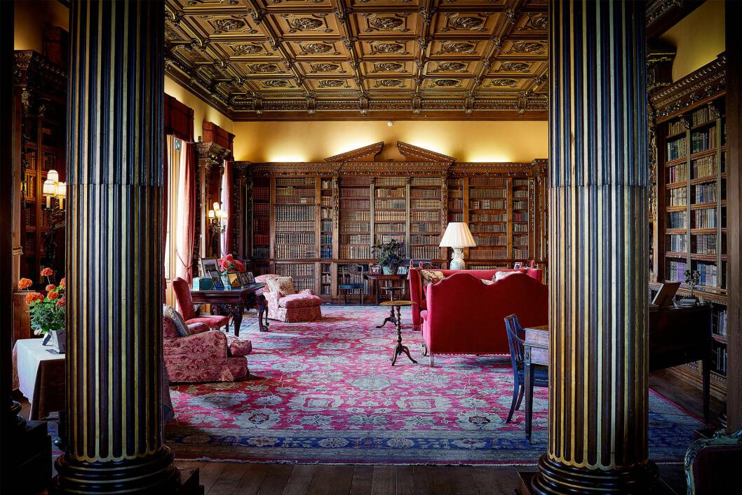 Biblioteket på Downton Abbey som egentligen heter Highclere Castle