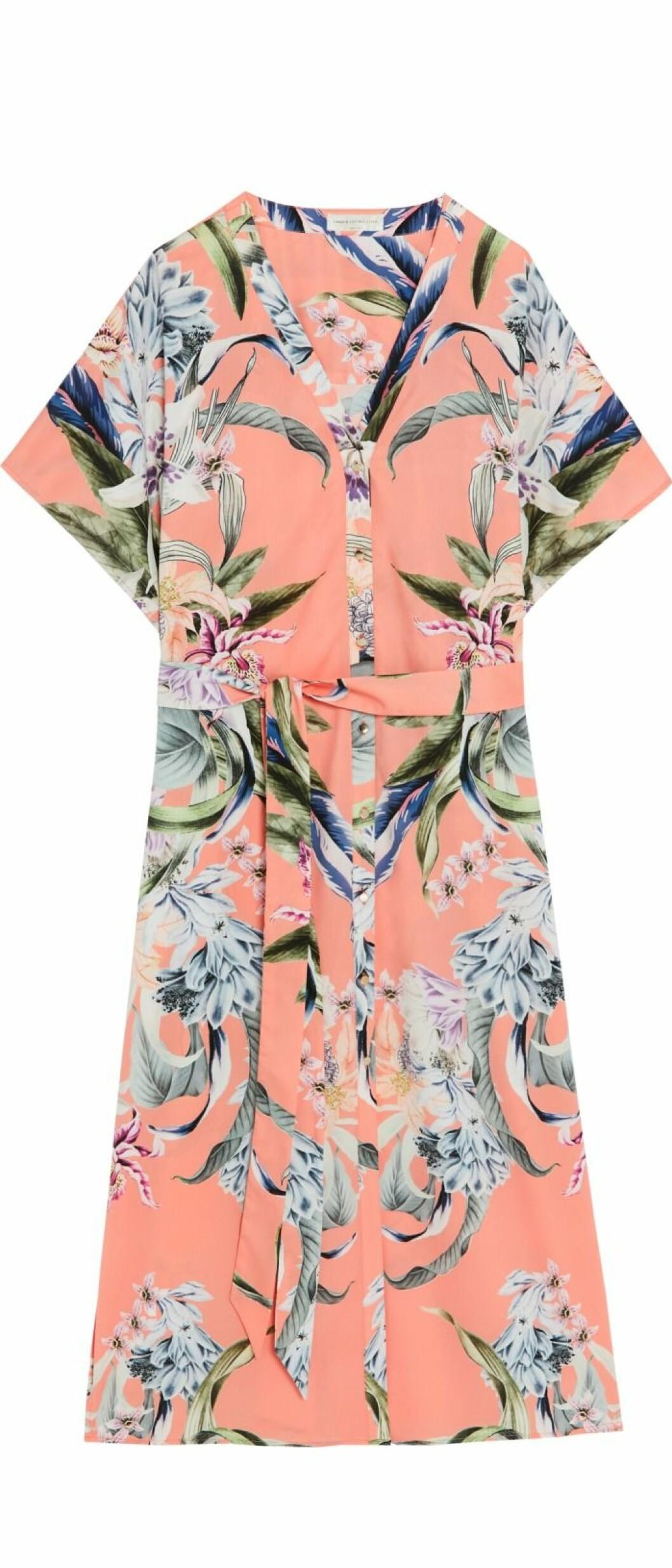 Aprikosfärgad och mönstrad skjortklänning By Malina Lindex