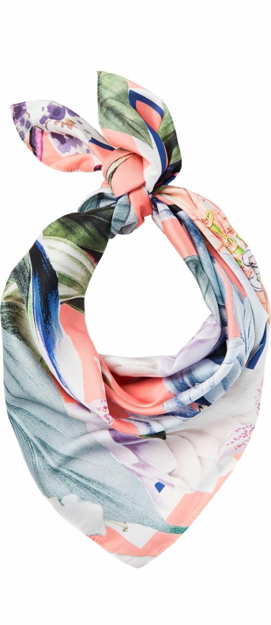 Mönstrad scarf