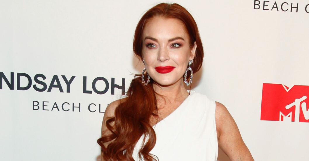 Därför stäms Lindsay Lohan på flera miljoner kronor