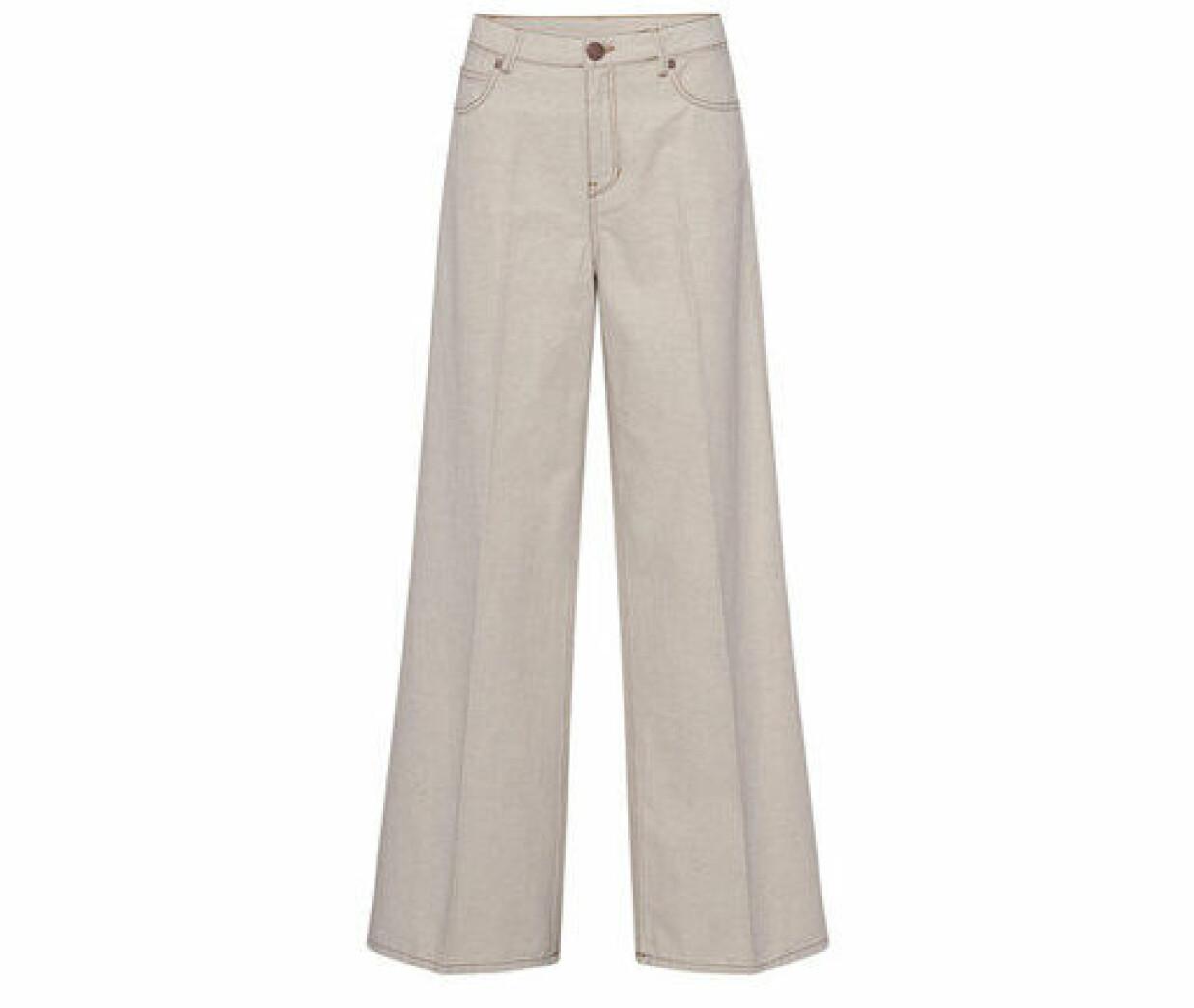 ljus jeans med hög midja
