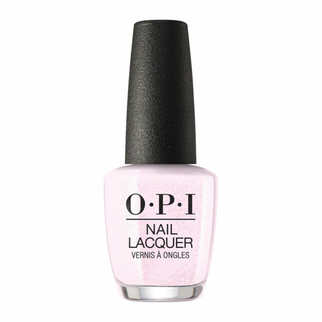 Ljust pastellrosa nagellack från OPI