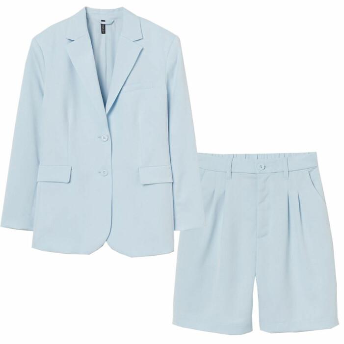 ljusblå shorts med kavaj