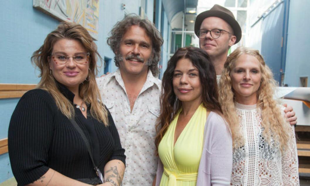 Kakan Hermansson, Erik Haag, Lotta Lundgren, Olof Wretling och producent Karin af Klintberg skapar sin andra SVT-serie tillsammans.