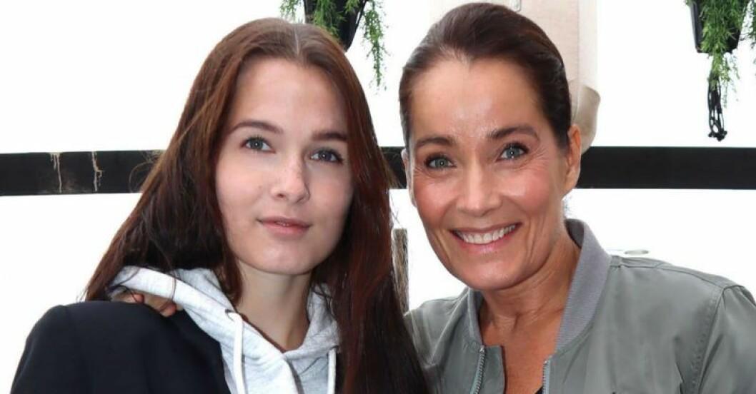 Maja Strömstedt och Agneta Sjödin.