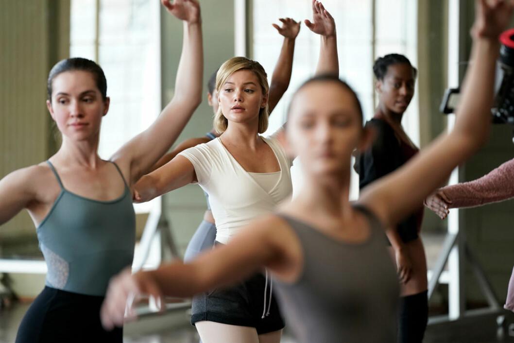 Tandy dansar balett i säsong 2 av Marvels Cloak and Dagger.