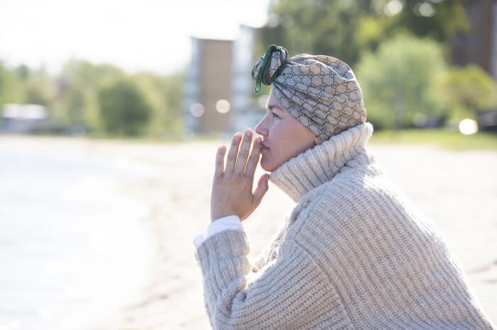 Matilda Ambré blickar ut över Vättern i sin hemstad Jönköping.