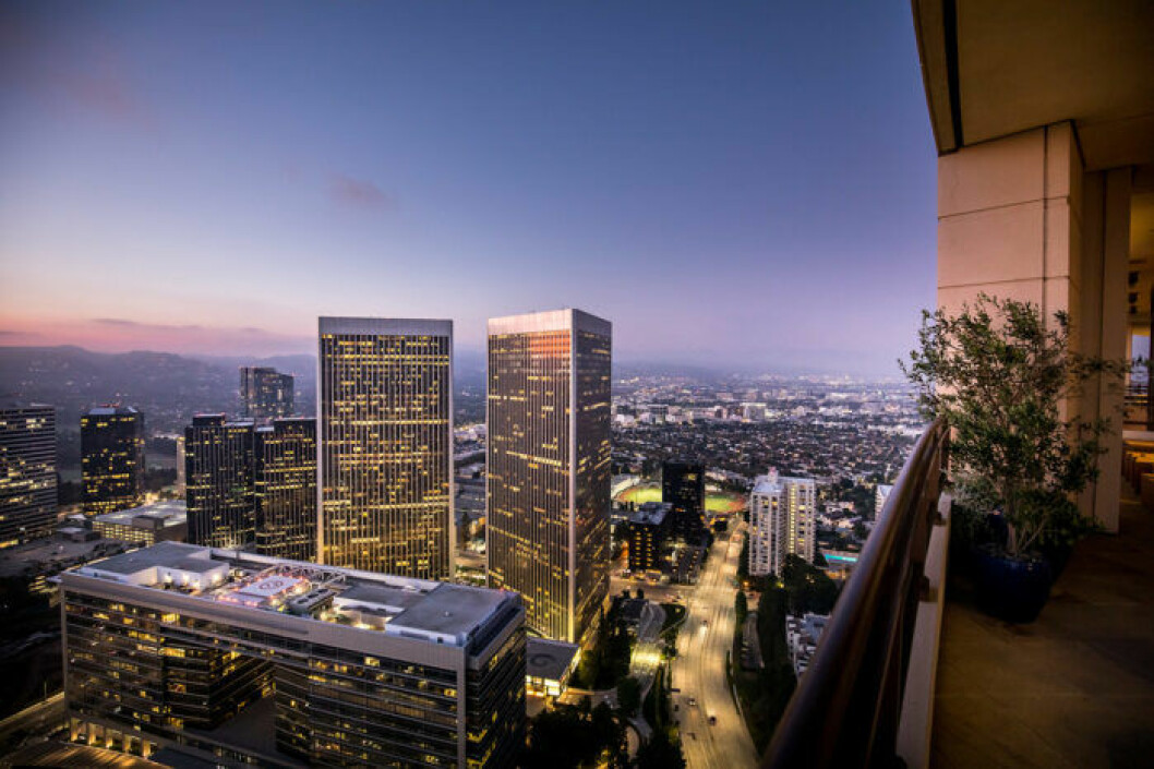 Vacker utsikt Los Angeles i Matthew Perrys lägenhet