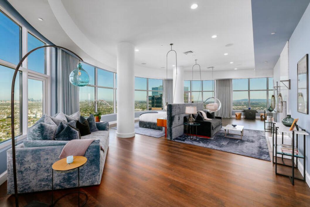 Matthew Perry säljer sin lyxiga takvåning i Los Angeles