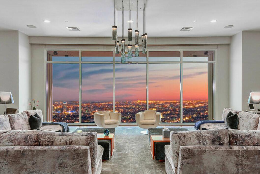 Fantastisk utsikt över Los Angeles från Matthew Perrys lägenhet