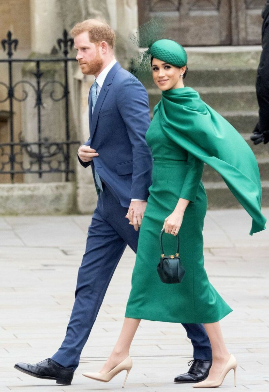 Meghan Markle i grön klänning från Emilia Wickstead.
