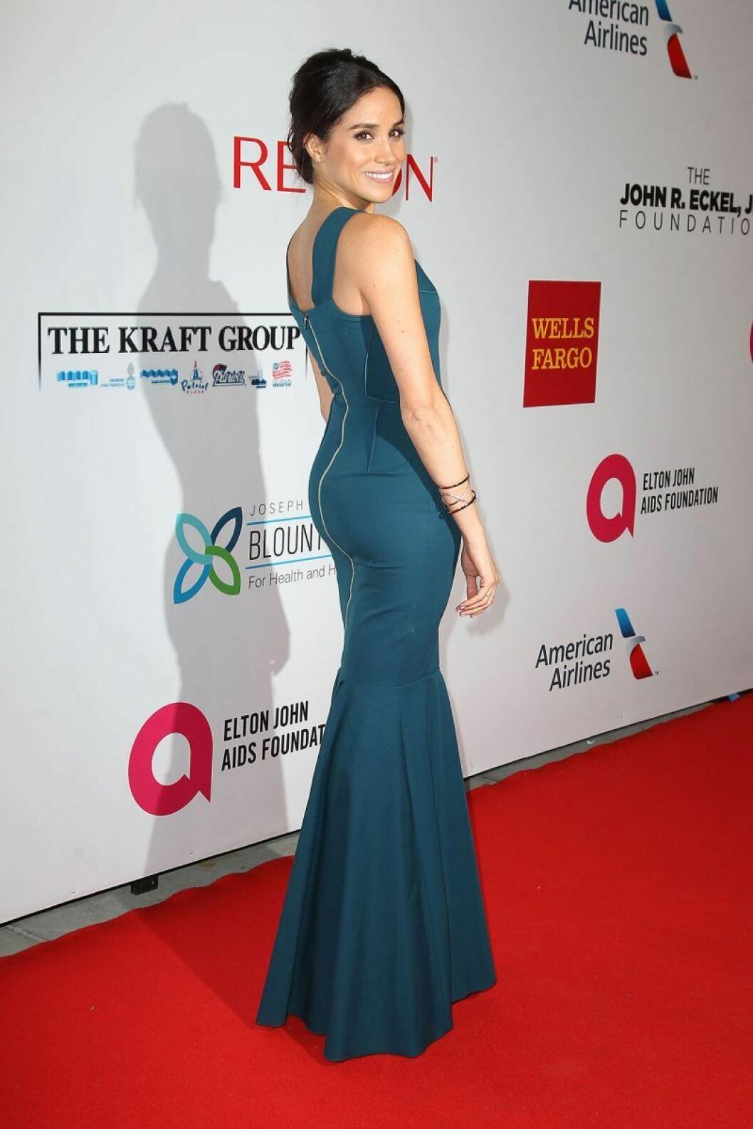 Meghan Markle i turkos långklänning