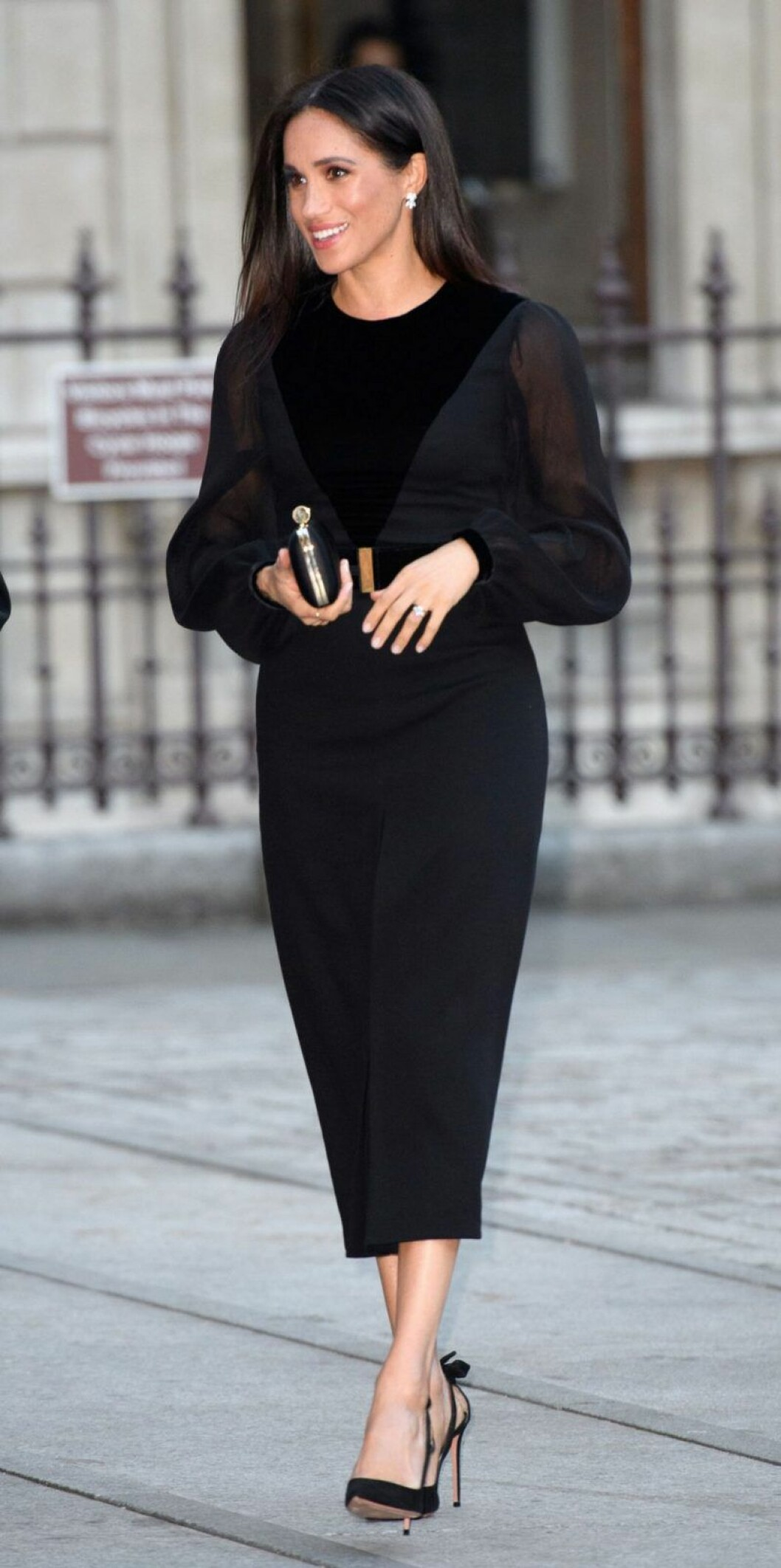 Meghan Markle i svart klänning