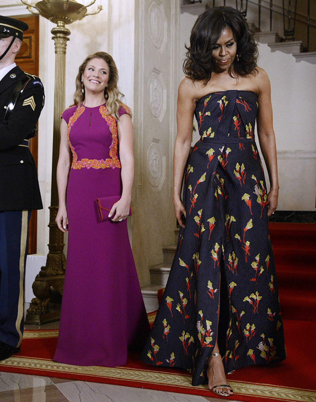 First Lady Michelle Obama, right, and Mrs. Sophie GrÈgoire Trudeau, left, walk inside the White House March 10, 2016 in Washington,D.C. Credit: Olivier Douliery / Pool via CNP - NO†WIRE†SERVICE - (c) DPA / IBL BildbyrÂ