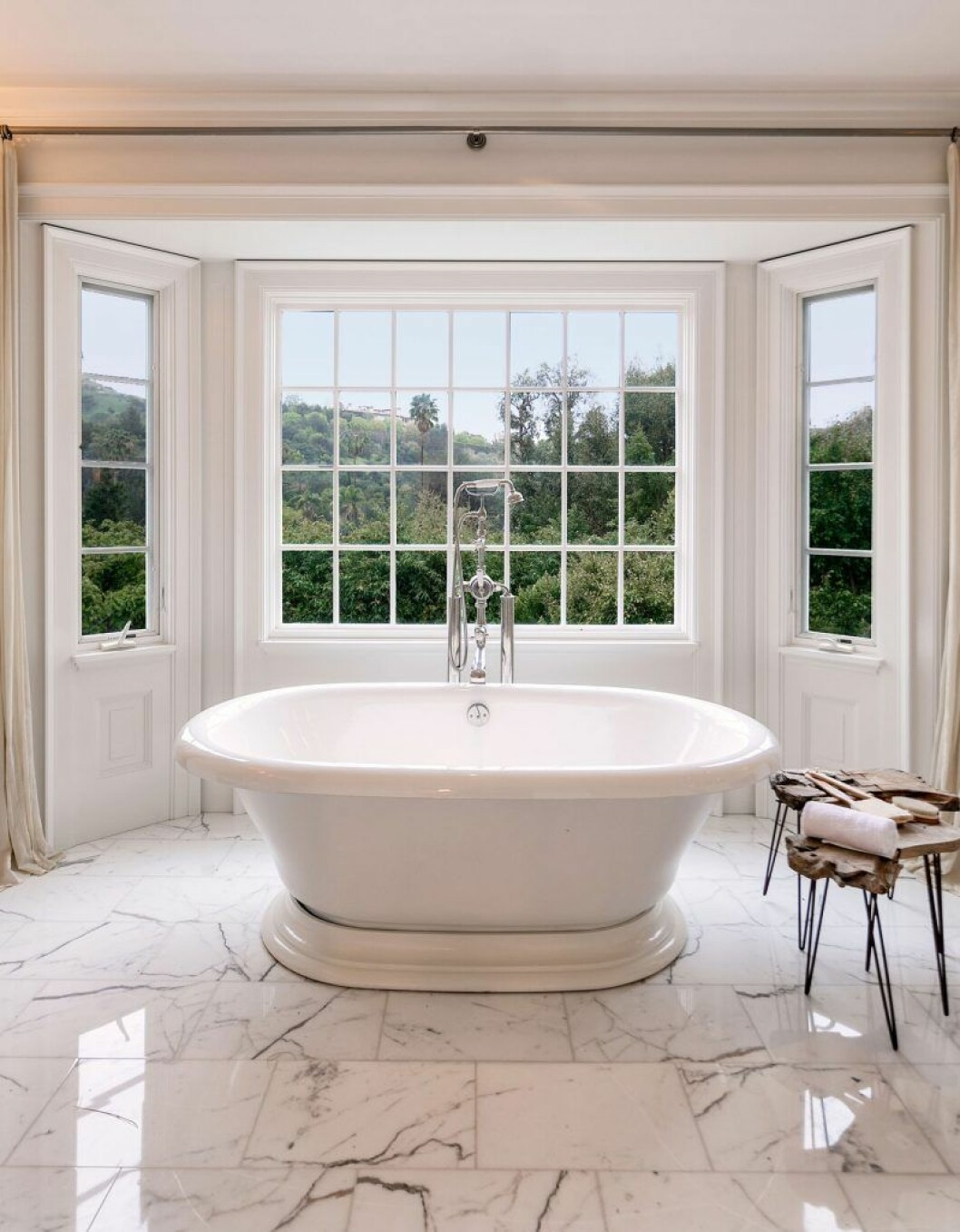 Bild från Ashton Kutcher och Mila Kunis badrum