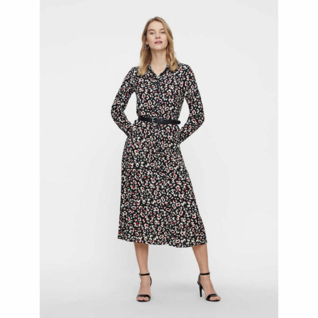 Mönstrad klänning från Vero Moda