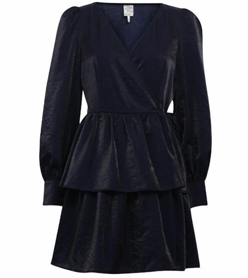 mörkblå klänning