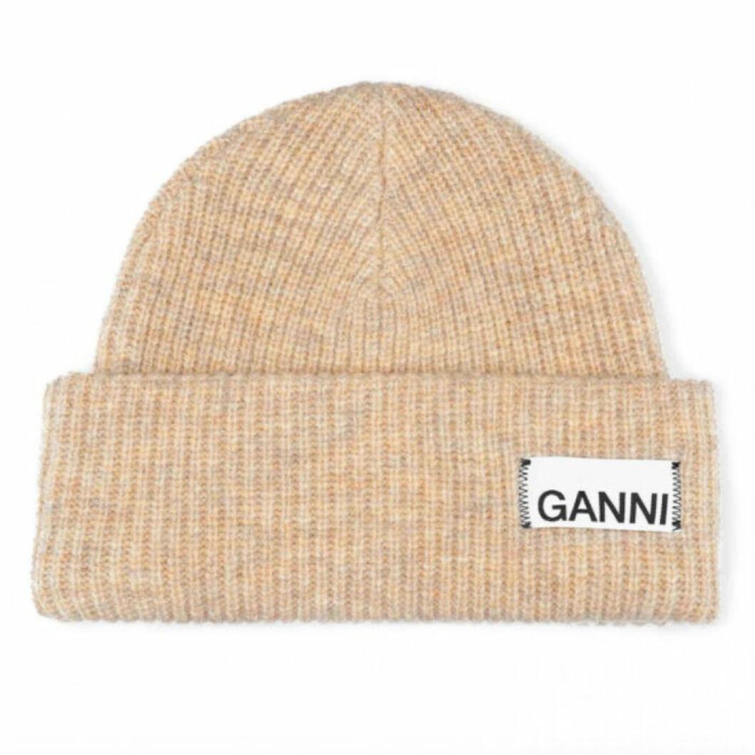 Mössa från Ganni