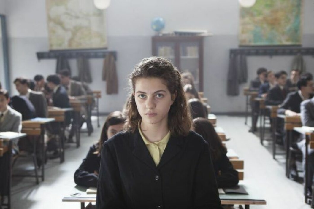 Elena i HBO:s nya serie My Brilliant Friend.