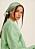 Bild på modell med grön scarf i håret. Scarf från Nakd.