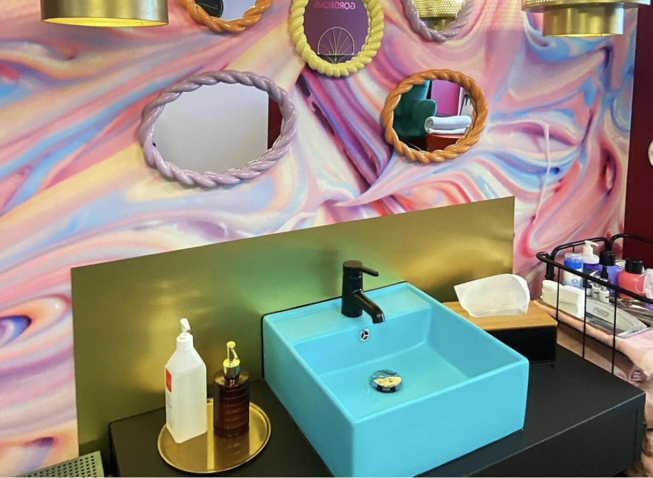Nail Democracys nya salong på hotell Amaranten