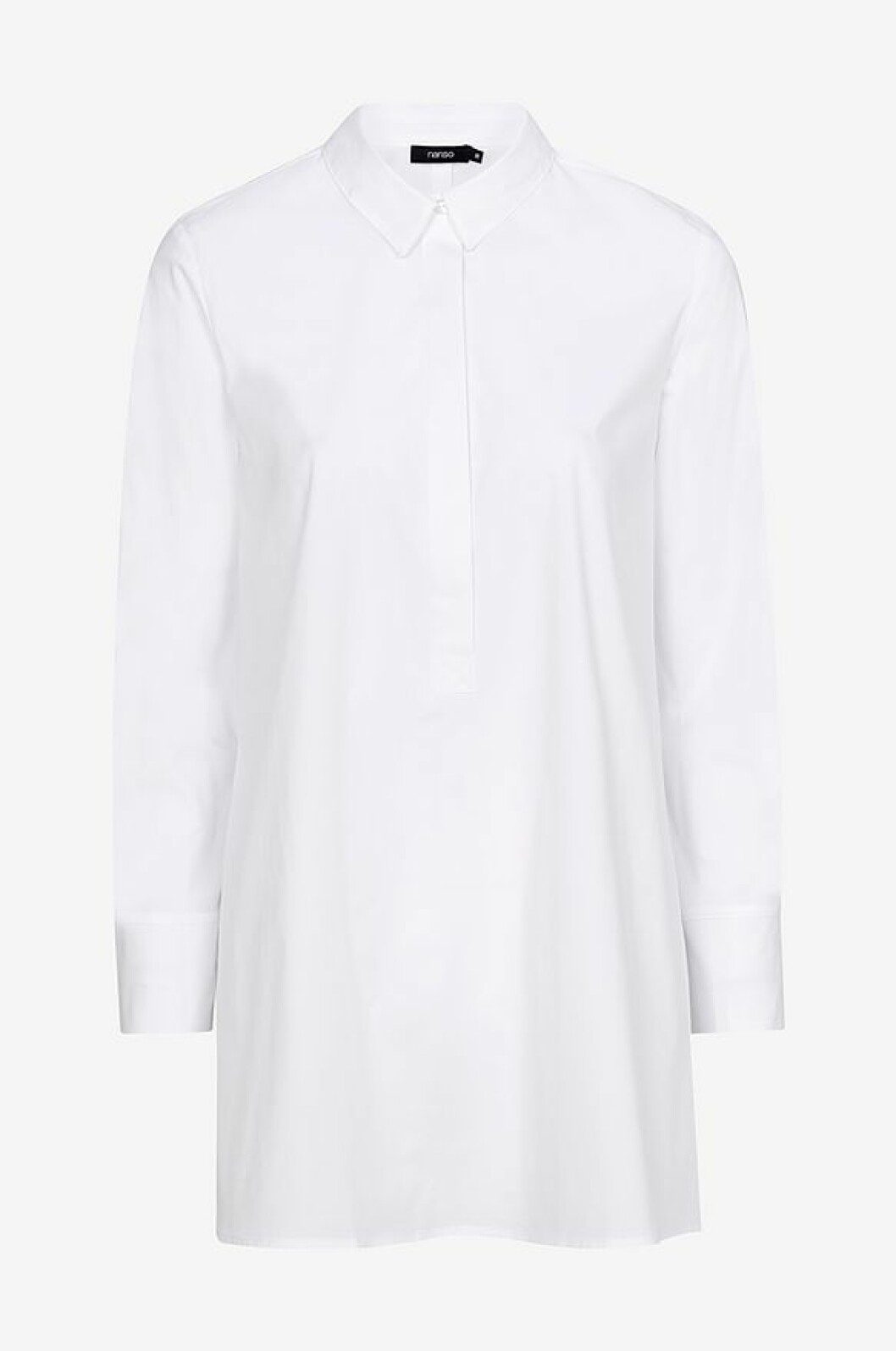 Vit skjorta i längre modell