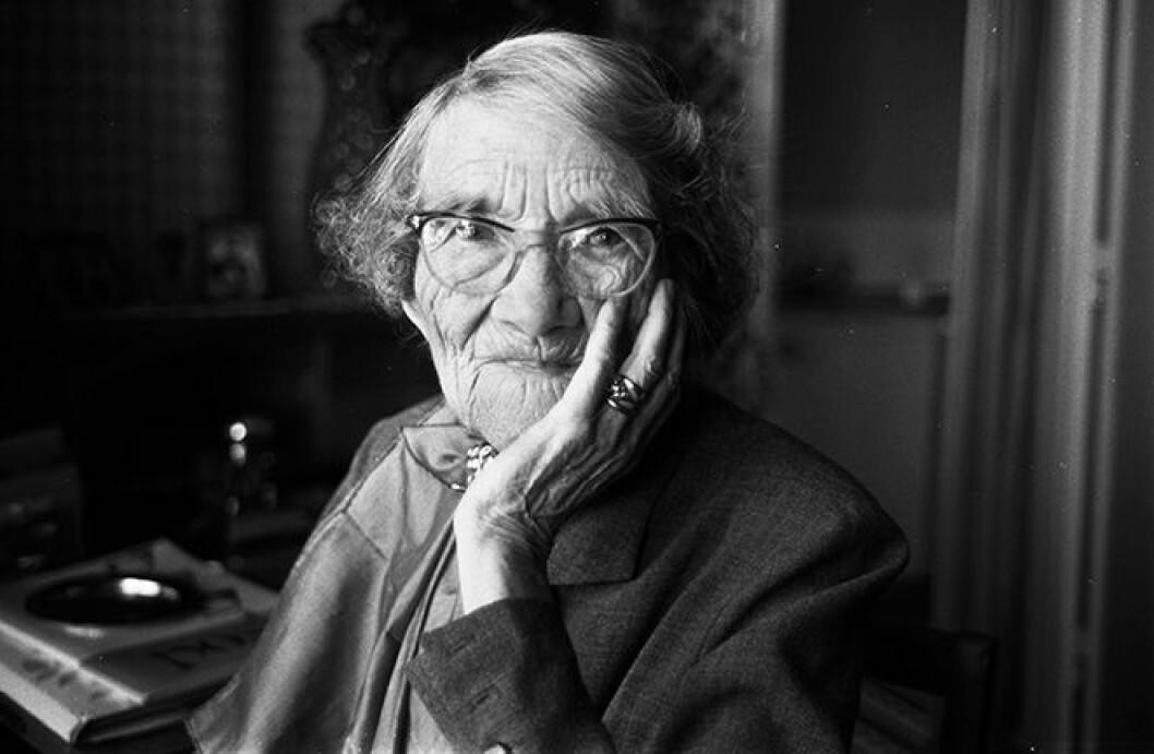En bild på Nelly Thüring, en av Sveriges första kvinnliga riksdagsledamöter.