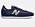 Marinblå sneakers i nylon och mocka md silverfärgad logga. Sneakers från New balance.