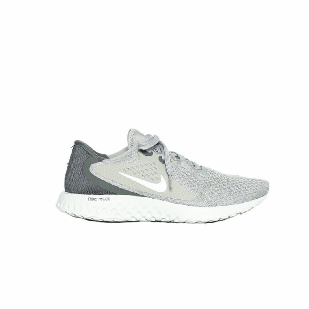 Gröngråa löparskor från Nike